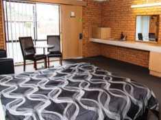 Baronga Motor Inn Colac Motel Bedroom