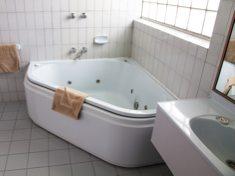 Baronga Motor Inn Colac Motel Bathroom