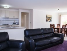 Baronga Motor Inn Colac Motel Townhouse Lounge